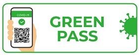 un cell con il green pass e scritta n verde green pass